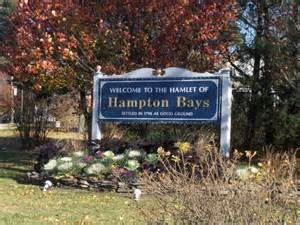 hamptons bays welcome sign